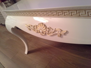 Mobilier neoclasic